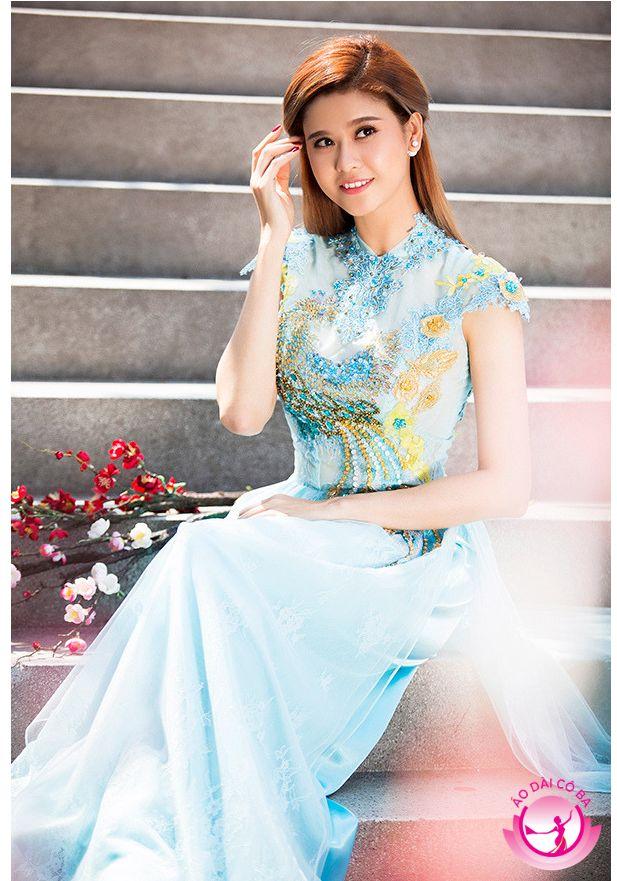 Trương Quỳnh Anh làm cô dâu xinh đẹp với áo dài tay ngắn