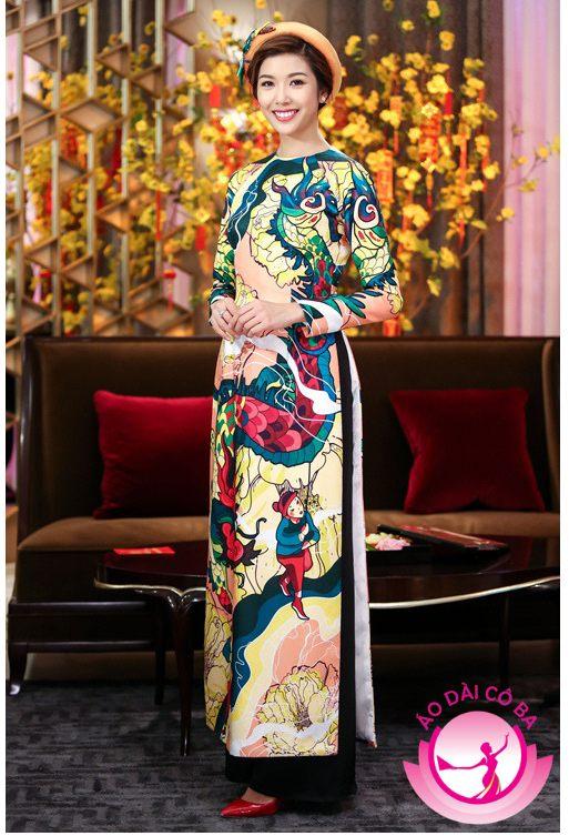 Thúy Vân diện áo dài hoạ tiết dân gian của nhà thiết kế Thủy Nguyễn
