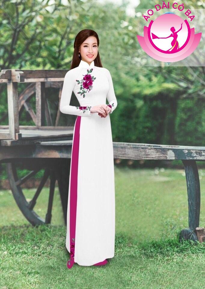Áo dài truyền thống in hoa hồng đơn giản mẫu 5