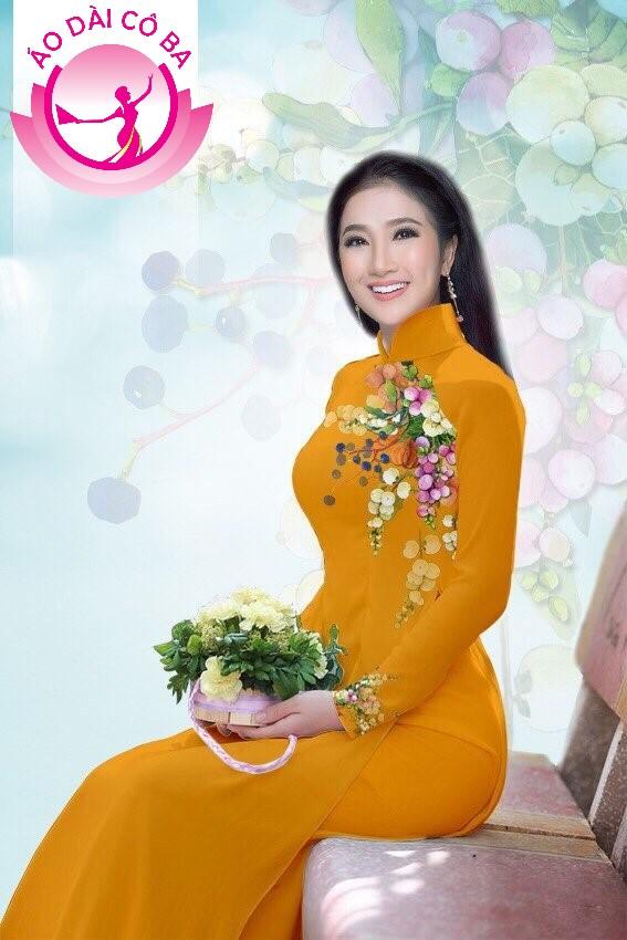 Áo dài truyền thống in hoa trên dưới mẫu 6