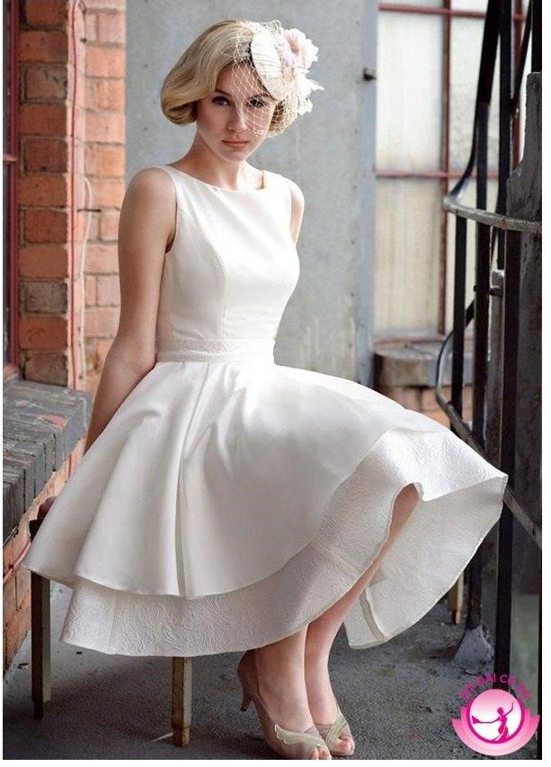 Áo cưới ngắn đem lại cảm giác tinh khôi, quý phái