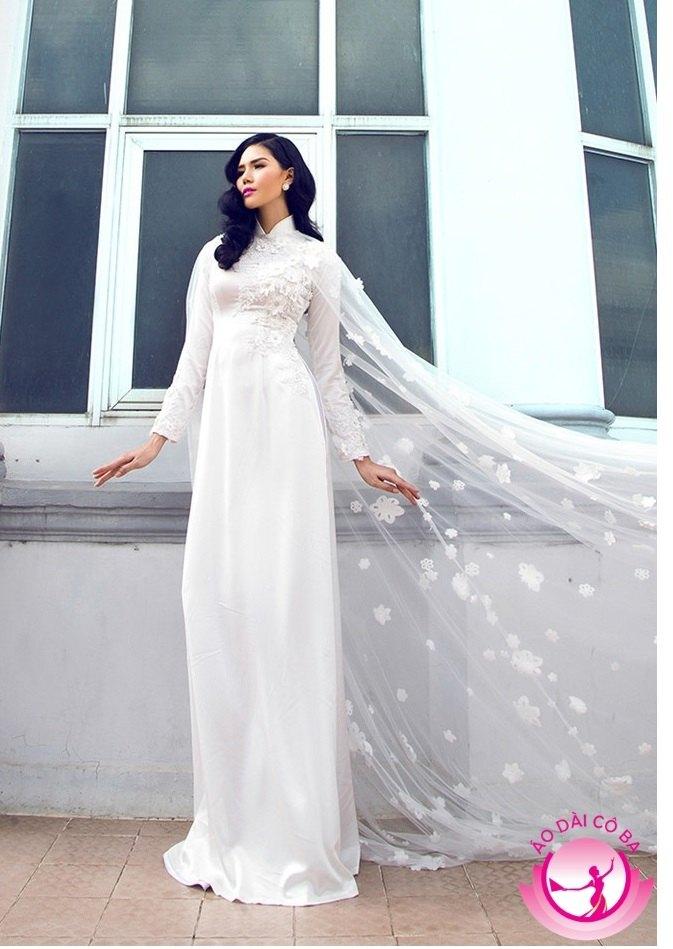 Áo dài cưới màu trắng đem đến sự dịu dàng, hiện đại