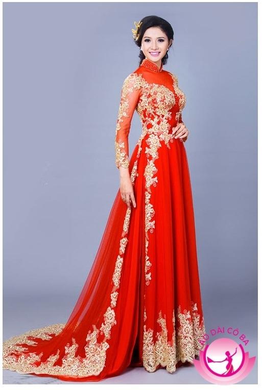 Áo dài cưới truyền thống màu đỏ