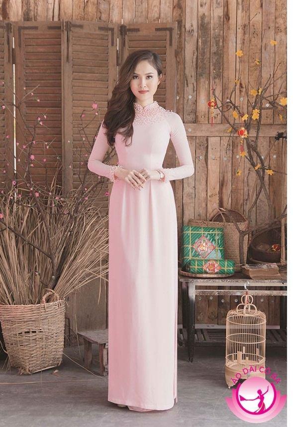 Áo dài cưới truyền thống với gam màu pastel nhẹ nhàng
