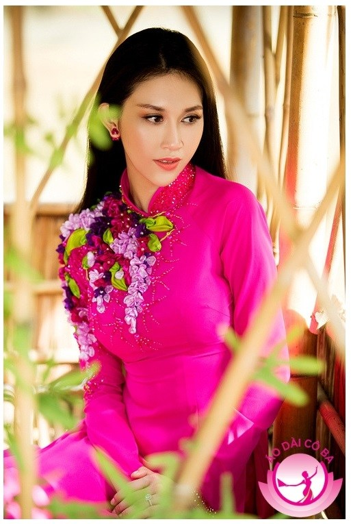 Áo dài cưới màu hồng cánh sen